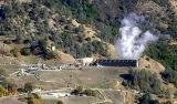 Ein Geothermie-Kraftwerk auf dem Geothermie-Feld The Geysers in Kalifornien