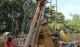 Bohrarbeiten in der Selinsing Goldmine von Monument Mining