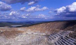 Tagebau-Goldförderung auf der Fort-Knox-Mine; Foto: Kinross Gold