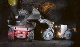 Erzverladung in der Silbermine Greens Creek von Hecla Mining