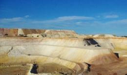 Tagebaugrube auf der Admiral Hill-Lagerstätte