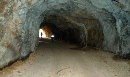 Auf der Wolfram Camp-Mine; Foto Deutsche Rohstoff AG