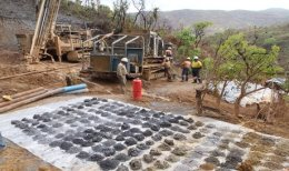 Auf dem Epanko-Projekt von Kibaran Resources; Bildquelle: Kibaran Resources
