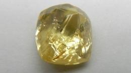 Gelber Diamant von der Lulo-Konzession; Foto: Lucapa Diamond Company