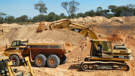 Abbau alluvialer Diamanten auf der Lulo-Konzession; Foto: Lucapa Diamond Company