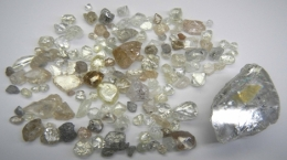 Diamanten von der Lulo-Konzession; Foto: Lucapa Diamond