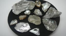 Eines Auswahl aus dem letzten Verkaufspaket; Foto: Lucapa Diamond