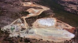 Luftansicht des Tagebaus auf der Los Santos-Mine; Foto: Almonty Industries