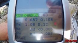 Vorläufige Bestimmung des Zinkgehalts (XRay) einer Bohrprobe vom Lone Mountain-Projekt; Foto: True Research