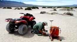 Gravitätsuntersuchung auf Kibby Basin; Foto: Belmont Resources