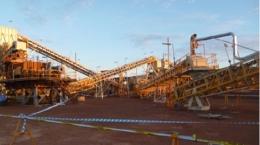 Errichtung der Produktionsanlage auf Mt Marion; Foto: Neometals