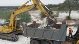 Verladung von Haldenmaterial auf dem Ana Sofia-Projekt: Quelle: Centurion Minerals
