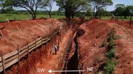 Explorationsgraben auf einem Zielgebiet des Paso Yobai-Projekts; Foto: Latin American Minerals
