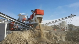 Hauptmahlwerk im Einsatz; Foto: Centurion Minerals