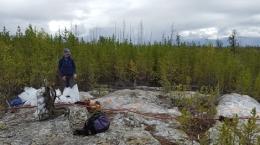 Entnahme von Proben auf dem Lihtiumprojekt Hidden Lake; Foto: 92 Resources