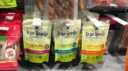 Produkte der True Leaf Pet in einem Geschäft; Foto True Leaf Pet