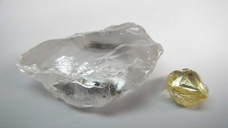 72karätiger Typ IIa-Diamant und 7krätiger gelber Diamant aus dem Dezemberquartal 2016; Foto: Lucapa Diamond